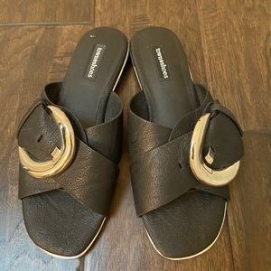 Town shoes slip on sandals
